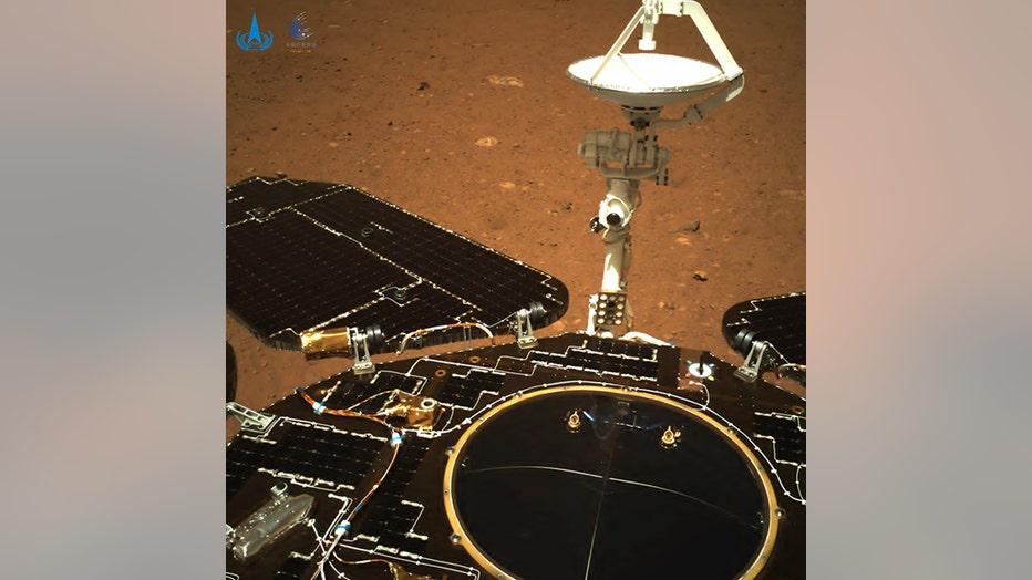 CNSA_Zhuron_Mars_rover_2.jpg