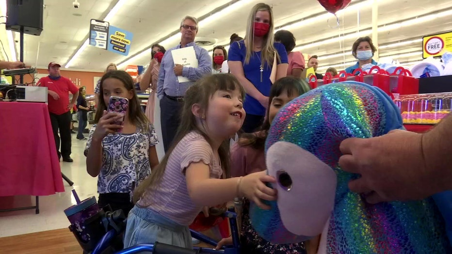 winn-dixie-celebrates-girl-with-cerebral-palsy-2.jpg