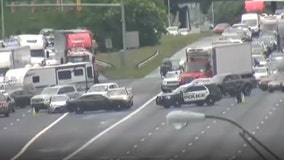 Traffic incident causes lane closure on I-75 north at Roswell Road