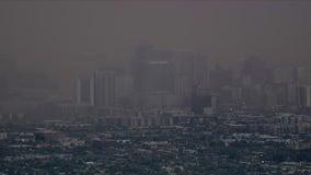 Wall of dust blankets Phoenix during busy monsoon season