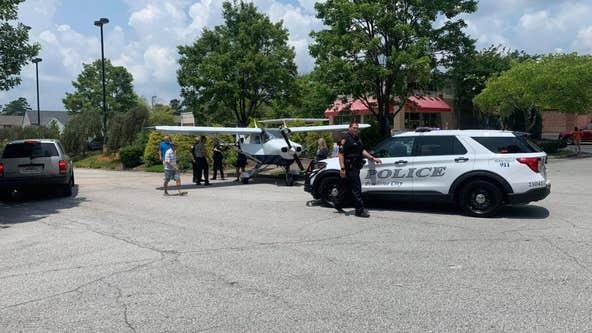 Plane makes emergency landing on Peachtree City highway