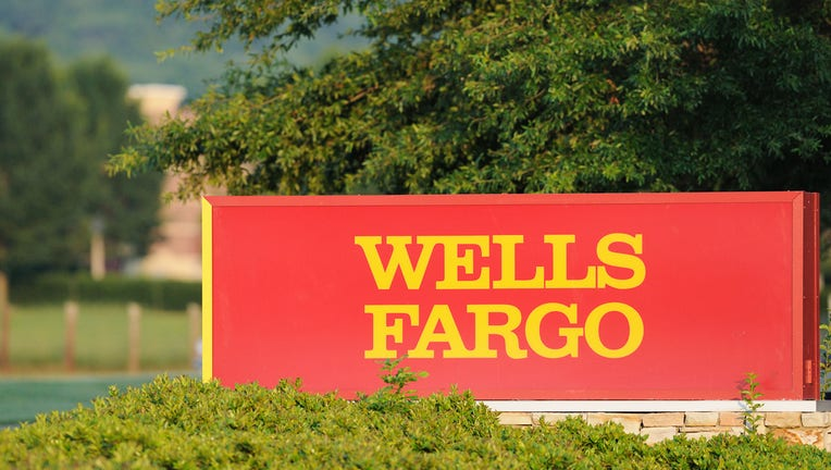 Wells Fargo shutting down personal line of credit product