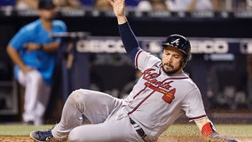 Braves sign Travis d'Arnaud to 2-year contract