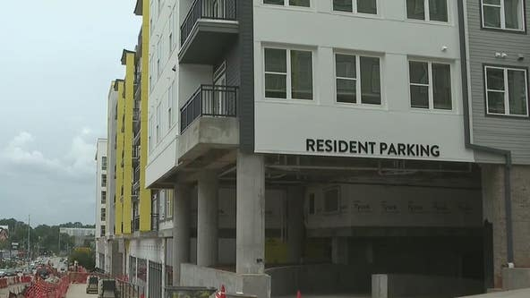 Construction delays leave hundreds of college student with no place to live