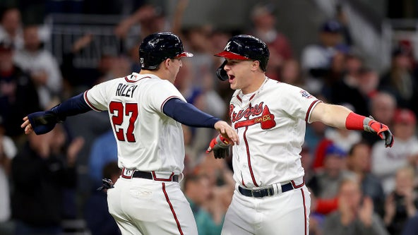 Braves walk off again, lead Dodgers 2-0 in NLCS