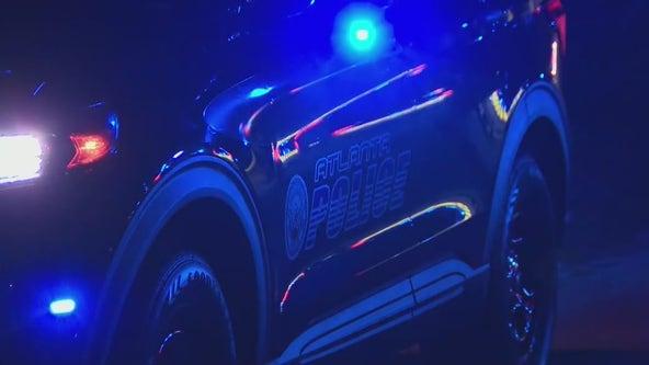 Body found inside car in southwest Atlanta, police investigate