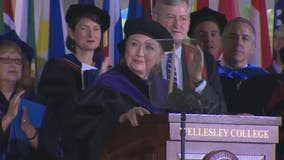 Clinton criticizes Trump in commencement address at Wellesley College