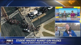 Students stagingwalkout to protest gun violence