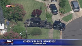 Truck crashes into Glenarden house
