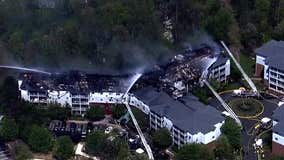 Fairfax County fire crews battle blaze at apartment complex
