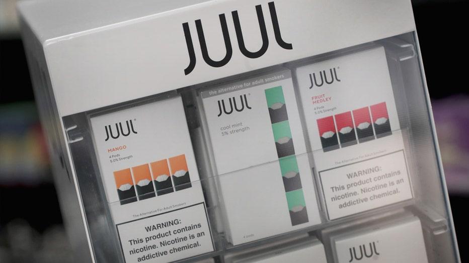 Juul E-Cigarettes Vaping