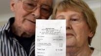 Elderly couple shocked by waitress' 'appalling' message on receipt