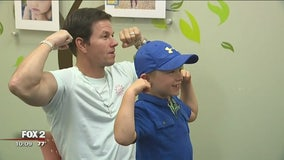 Mark Wahlberg meets boy who beat cancer before opening of Royal Oak Wahlburgers