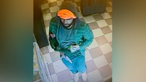 Leesburg police looking for suspect in armed check-cashing business robbery