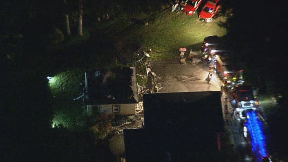 Early morning fire burns garage in Montgomery County