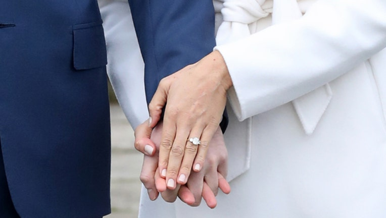 meghan markle s engagement ring has two diamonds from princess diana fox 5 dc fox 5 dc