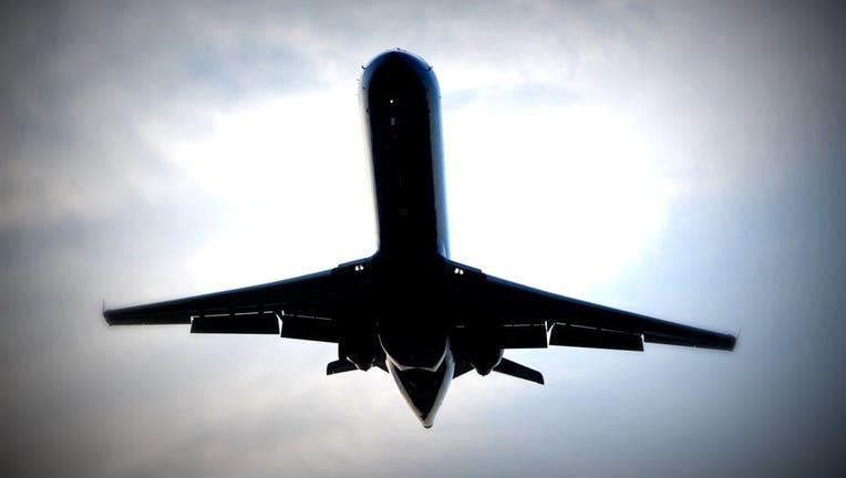 airplane_1490096640225_2909141_ver1.0_1280_720.jpg