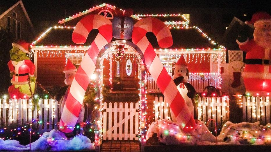 Holiday-decorations.jpg