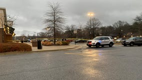 Man shot and killed in Waldorf shopping center parking lot, authorities say