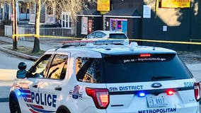 Man dead, 2 others injured in shooting outside Northeast DC corner store, police say