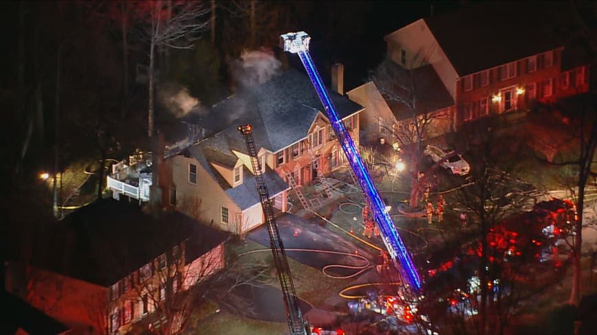 Early morning fire damages home in Fairfax County