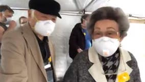 Grandparents rap about 'coronavirus blues,' dance with glee after Grand Princess docks in Oakland