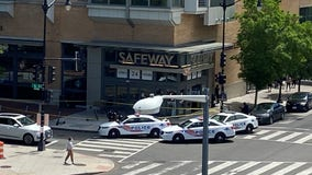 DC police rope off Northwest grocery store entrance after stabbing
