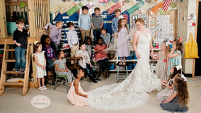 Kindergarten teacher does wedding 'first look' with students in heartwarming photoshoot