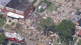 Hundreds help clean up site of fatal Baltimore explosion