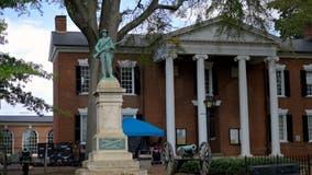 Charlottesville removes Confederate statue located near rally site