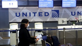 United brings back food, wine to flights amid coronavirus pandemic