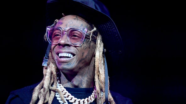 Rapper Lil Wayne meets with Trump