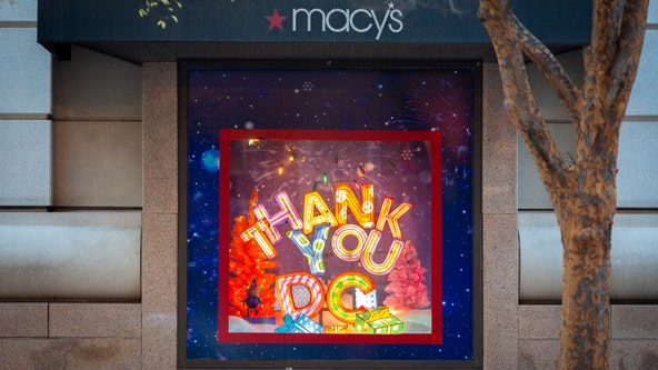 Macy's Metro Center annual holiday windows give thanks to DC community