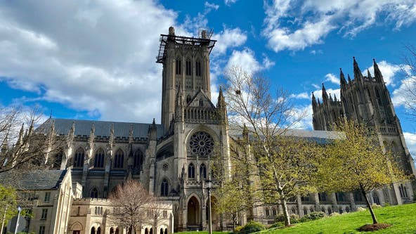 Washington National Cathedral marks nearly 400K US coronavirus deaths by tolling bell 400 times