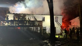 1 dead in early morning Fairfax County fire