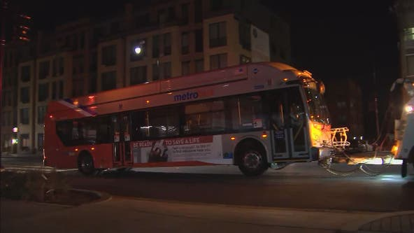 1 dead in late night crash with Metrobus in Northeast DC