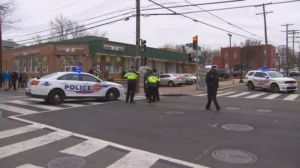 Man killed in Southeast DC shooting that injured 4 others