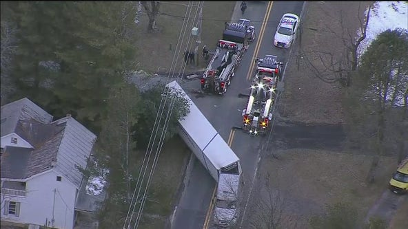 Traffic Alert: Tractor trailer off the road in Damascus area