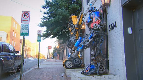 Two Transformers statues center of debate in historic Georgetown