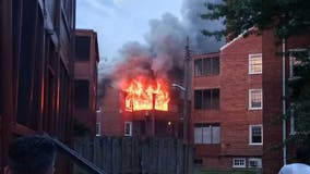 Montgomery County crews respond to 2-alarm fire at Silver Spring apartment complex