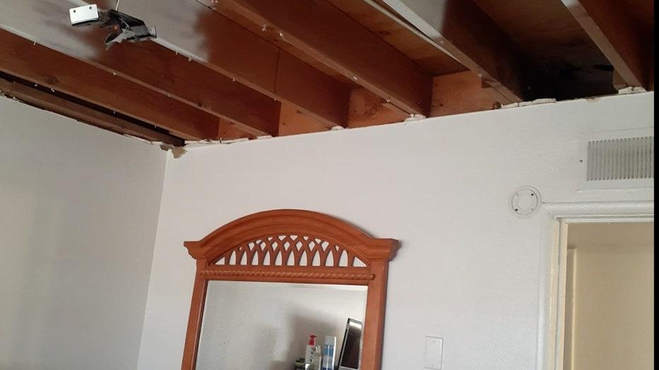 Stripped-apartment-ceiling.jpg