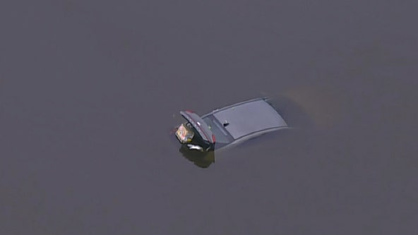 2 rescued after vehicle into lake near Dulles International Airport