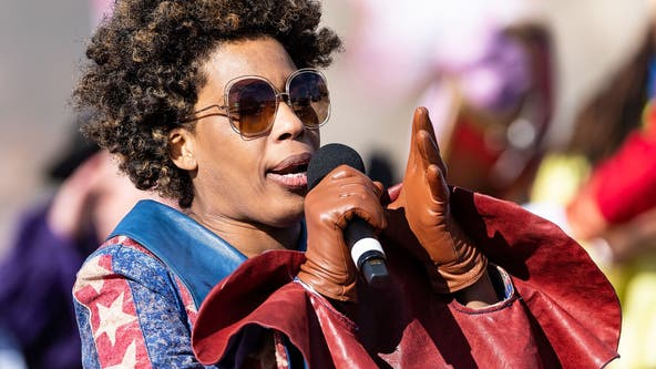 Exclusive: Grammy award-winning singer Macy Gray says US needs a 'new flag'