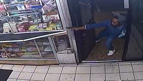 Video: DC suspect threatened clerk with gun inside a Northeast convenience store