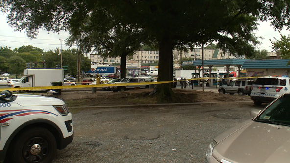 Police searching for suspect in deadly shooting in Southeast DC