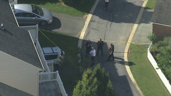 2 hurt after falling from 2nd floor balcony in Montgomery County