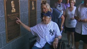 Yankees honor 101-year-old retired cop