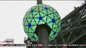 Massive NYE crowds expected despite likely rain