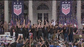 USWNT celebrates World Cup win with fans in NYC