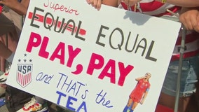 Fans of World Cup champs rally for equal pay